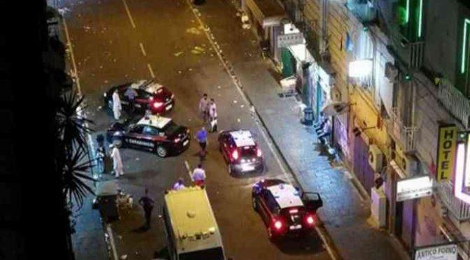 Napoli, rastrellamento di clandestini in quartiere immigrati