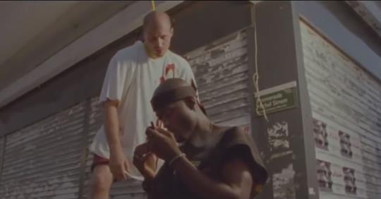 """La canzone del rapper ne(g)ro: """"Impicchiamo i bianchi"""" – VIDEO"""