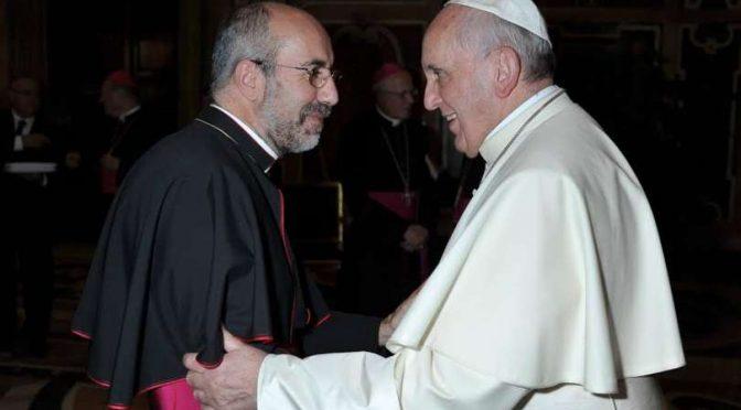 Macerata, vescovo pro-migranti snobba familiari di Pamela
