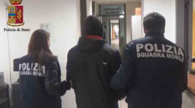"""Stupratore libero, Poliziotto: """"Noi arrestiamo, magistrati scarcerano"""""""