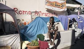 Roma: perché la tendopoli dello stupro è ancora in piedi?