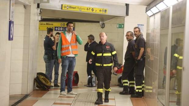 """Spray sui pendolari: """"Profughi ridevano mentre le persone si sentivano male"""""""