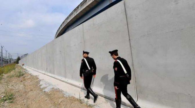 Carabiniere ucciso da treno mentre insegue delinquente