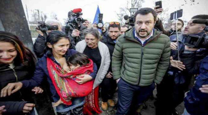 Rom in fila per il Reddito di Cittadinanza