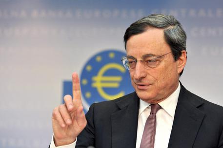 Draghi: Spread sale perché Italia ci ha sfidato