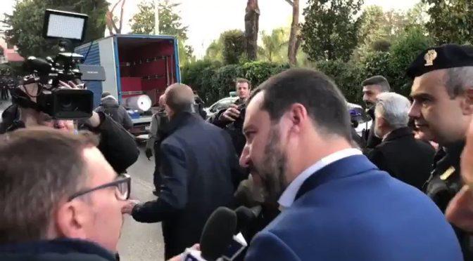 Salvini esulta per demolizione ville zingari Casamonica