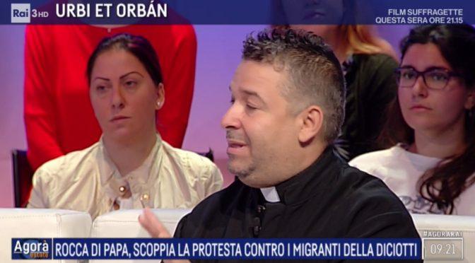 Il prete che vuole convertire Salvini all'invasione, lui dietro 'voli umanitari'