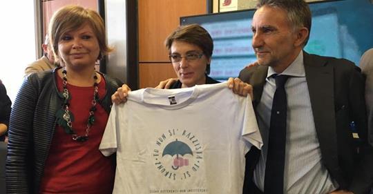 Napoli, premiata Coppola: paladina immigrati