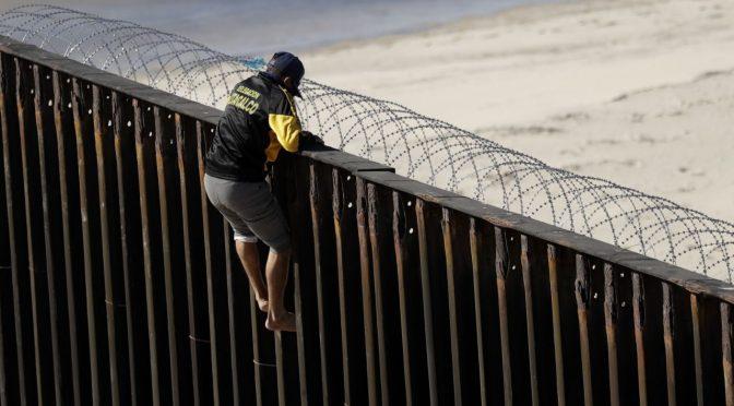 "Messico, scontri tra cittadini e carovana: ""Tornate a casa vostra"""