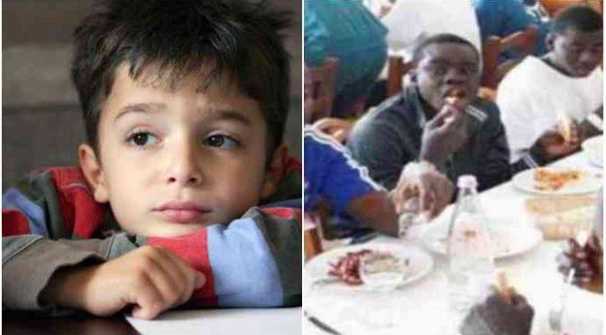 Milano razzista: ai bambini italiani tramezzini congelati, ai migranti pranzo
