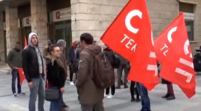 Coop che ospitava assassino Pamela in bancarotta: proteste – VIDEO