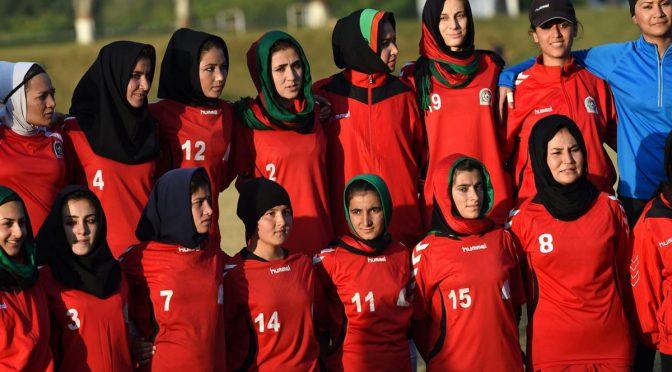 Afghanistan: velate in campo, sesso negli spogliatoi