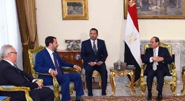 """Presidente Egitto a immigrati: """"Europa fa bene a chiudere porti, create problemi: che pretendete"""""""