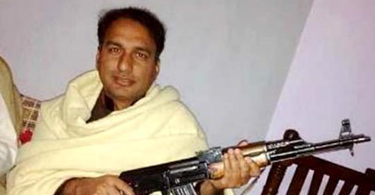 Brescia islamica: eletto il pakistano col kalashnikov