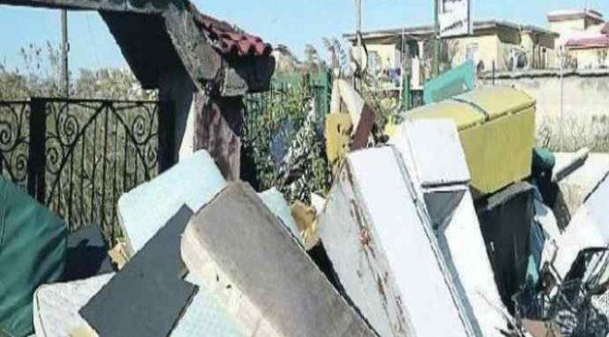 Castel Volturno: le discariche di materassi della mafia nigeriana
