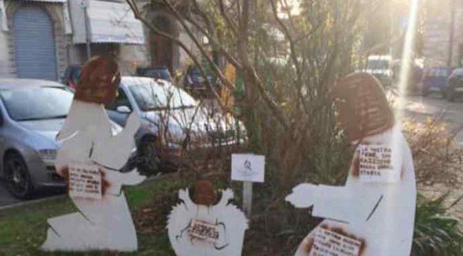 """Presepe vandalizzato, volti dipinti di nero: """"Gesù è un migrante"""""""