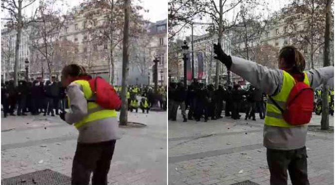 Macron spara sui Gilet Gialli: blindati contro la folla – VIDEO