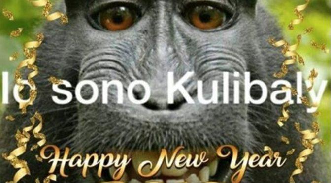 """""""Io sono Kulibaly"""" con la scimmietta: gli ironici auguri degli Ultras"""