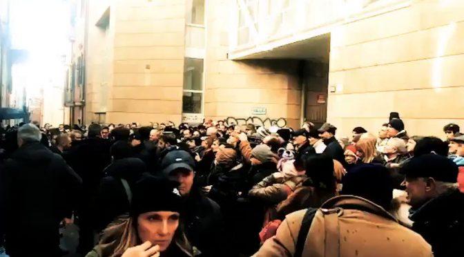 Salvini, bagno di folla a Teramo: PD si inventa 'contestazione'
