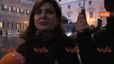 """SeaWatch, Boldrini manifesta col """"servitore"""" al seguito"""