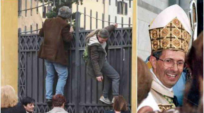 Vescovo Pisa predica accoglienza, ma mura i gattini