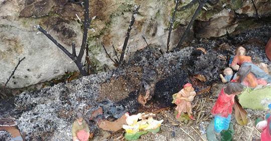 Presepe dato alle fiamme, tradizioni sotto attacco