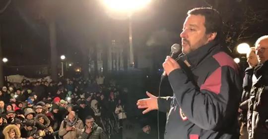 "Salvini ai centri sociali: ""Tornate a drogarvi"" – VIDEO"