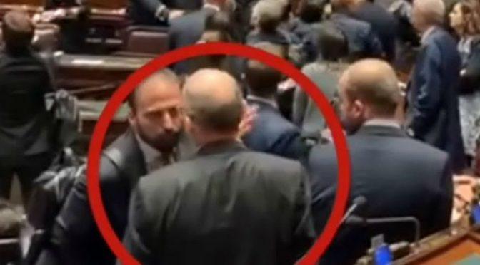 Pd perde la testa, caos alla Camera – VIDEO