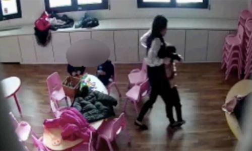 Bimbi picchiati in un asilo cinese a Prato
