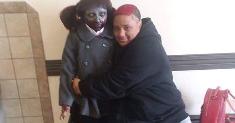 """Sposa la sua bambola-zombie: """"Vogliamo un figlio"""""""