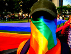 Verona, terroristi LGBT minacciano hotel che ospitano famiglie
