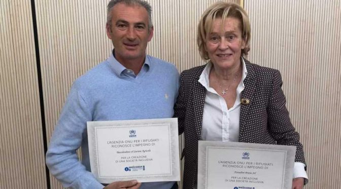 Questi 2 assumono immigrati al posto italiani, premiati dall'Onu