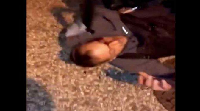 Disabile su sedia a rotelle massacrato da immigrato che occupava il suo posto auto