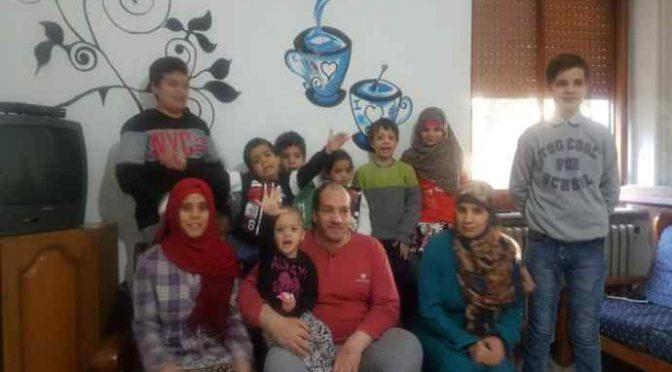 Manteniamo profugo islamico con 2 mogli e 8 figli – FOTO