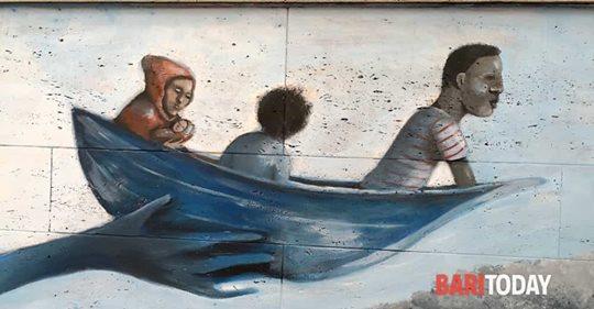 Barcone a scuola: murales osceno pro-invasione a Bari