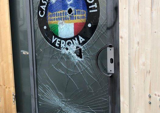 Verona, attacco estremisti contro Casa dei Patrioti