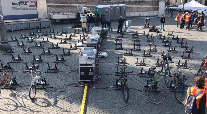 50 Gretini hanno pedalato per dare luce alla profetessa del clima