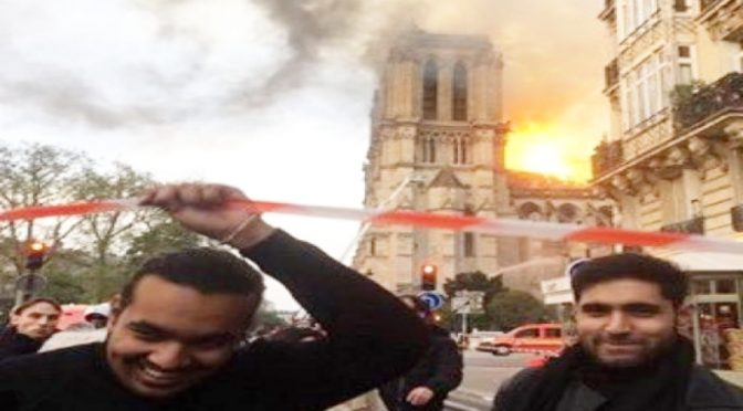 Notre Dame, c'è chi nega l'evidenza