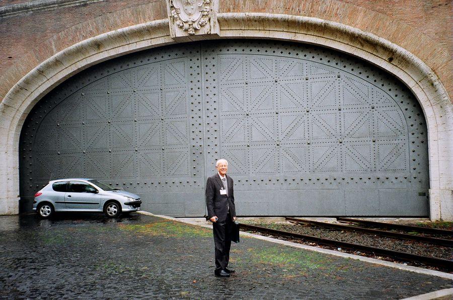 Porta-di-accesso-alla-stazione.jpg
