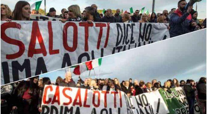 """Le periferie di Roma in rivolta: """"Vogliamo rimanere italiani"""" – VIDEO"""