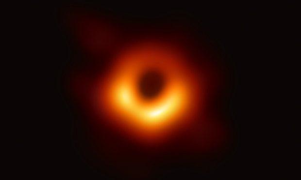 Ecco Sauron, è la prima foto di un buco nero