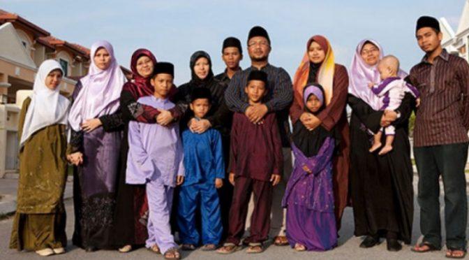 """Profugo con 3 mogli e 14 figli: """"E ora vogliamo la cittadinanza"""""""