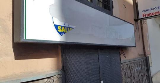 Attacco alla Lega: vandalizzata dai rossi sede di Aversa