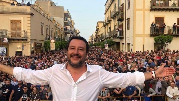"""Salvini, avviso di sfratto ad Orlando: """"Prepara gli scatoloni"""""""