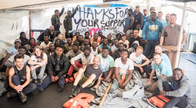 SeaWatch, i clandestini non si suicidano più – FOTO