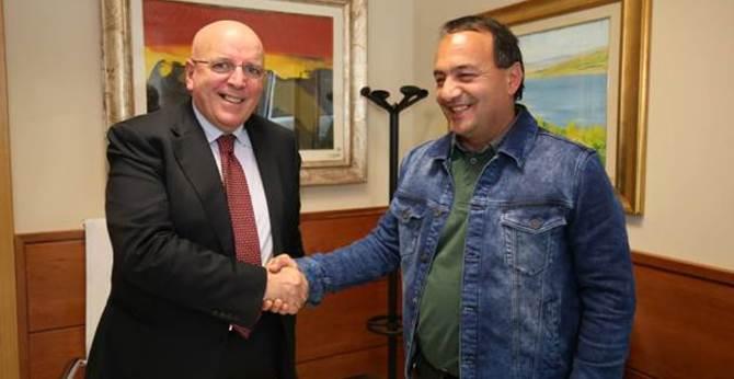 Assessore Pd non riceve precari italiani, ma rinnova contratto per i profughi