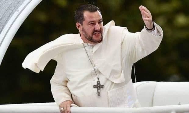 """Vescovi copiano Salvini: """"1 maggio affidamento Italia a Maria"""""""