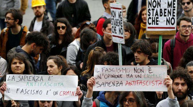Sapienza, arriva Lucano e i suoi invocano la strage di italiani: vergogna a Roma