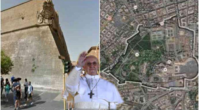 I bagarini di Bergoglio: immigrati vendono biglietti di accesso al Vaticano, incassano 20mila euro al giorno