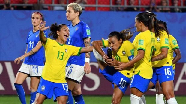 Il calcio femminile è contronatura, ha ragione Langone